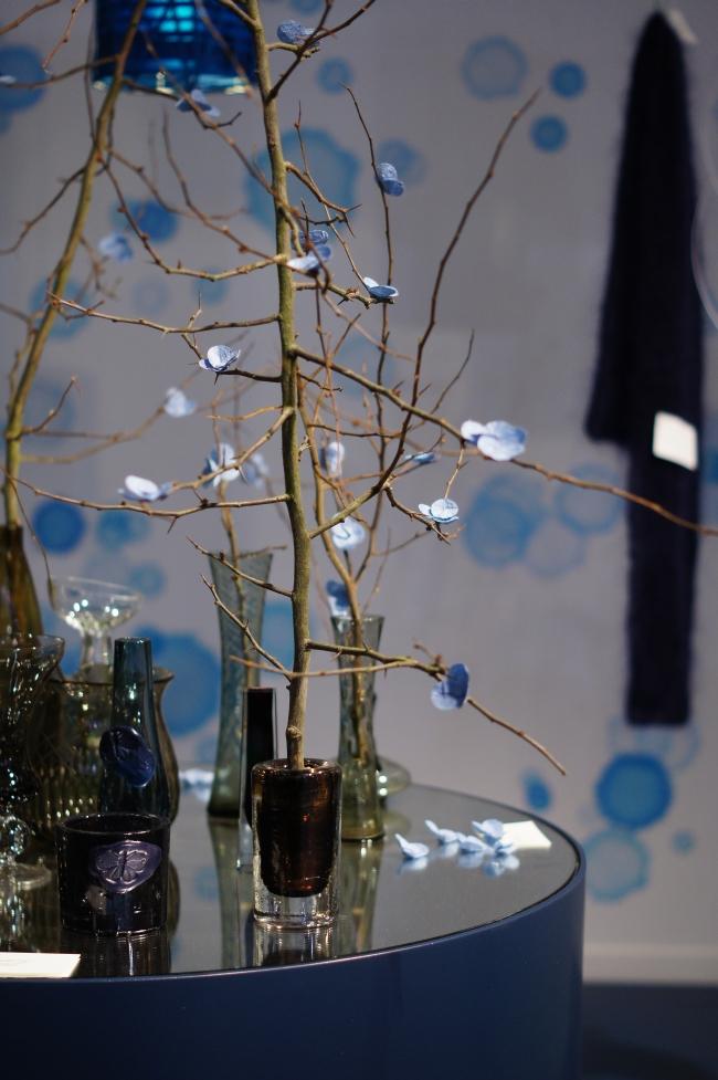glas in blau und braun