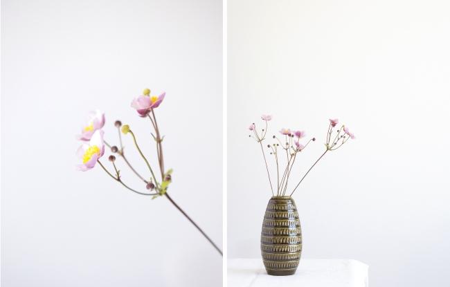 Herbstanemonen in Vintage Vase oliv
