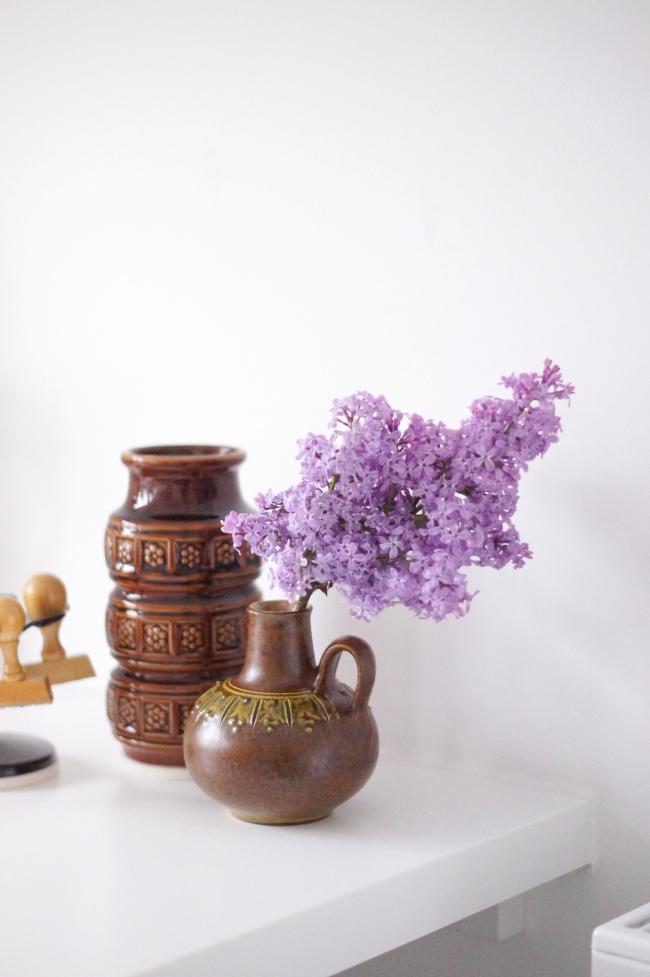 Flieder im Arbeitszimmer | Foto: Sabine Wittig
