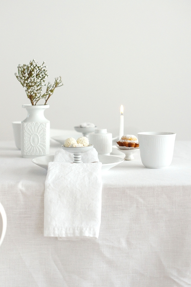 all in white teatime | photo: Sabine Wittig