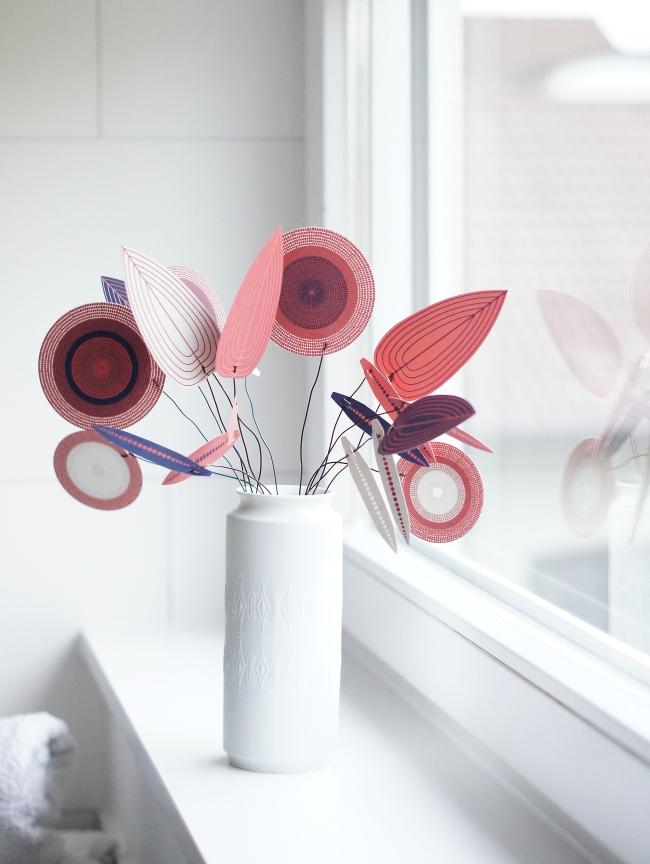 Papierblüten Blatt von Jurianne Matter | Foto: Sabine Wittig