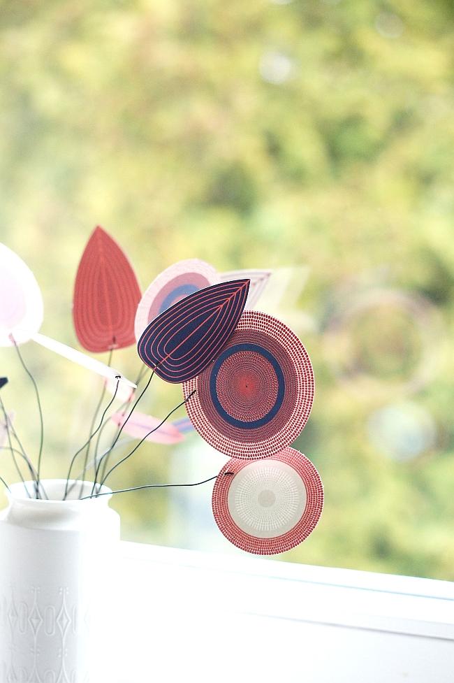 Papierblüten Blatt von Jurianne Matter
