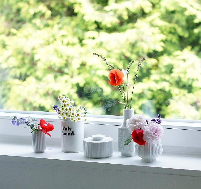 Blumen in Vintage Vasen | Foto: Sabine Wittig