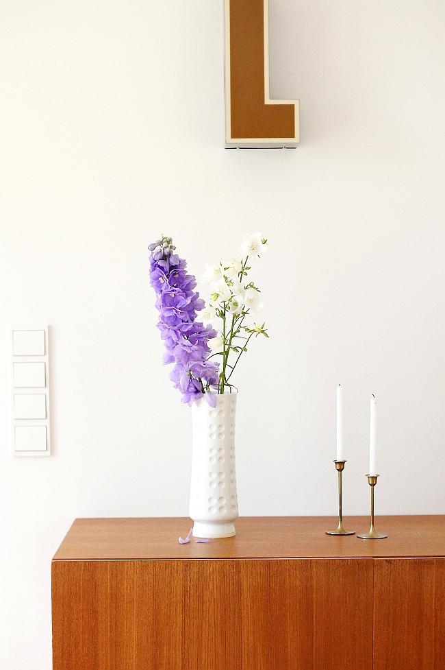Rittersporn und Glockenblume | Foto: Sabine Wittig