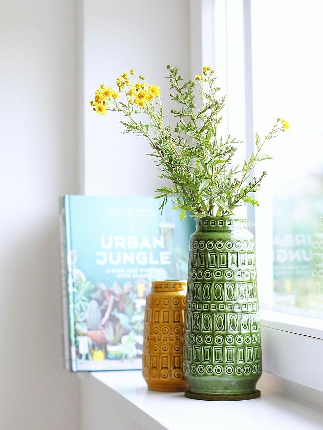Urban Jungle Book und Scheurich Vintage Vasen | Foto: Sabine Wittig
