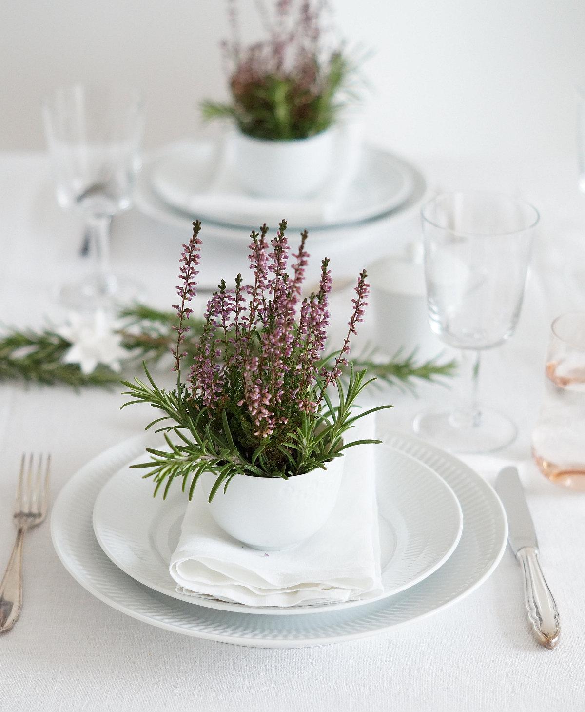 Tischdeko mit Erika | Foto: Sabine Wittig