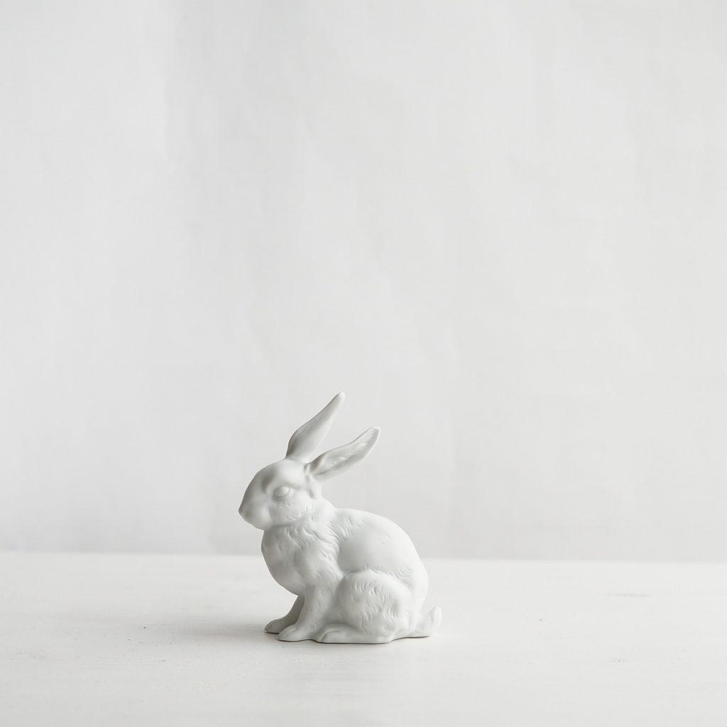 Hase aus Bisquitporzellan | Foto: Sabine Wittig
