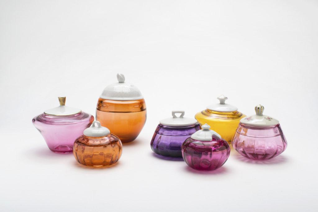 Glasdosen mit Porzellandeckel von Karina Wendt