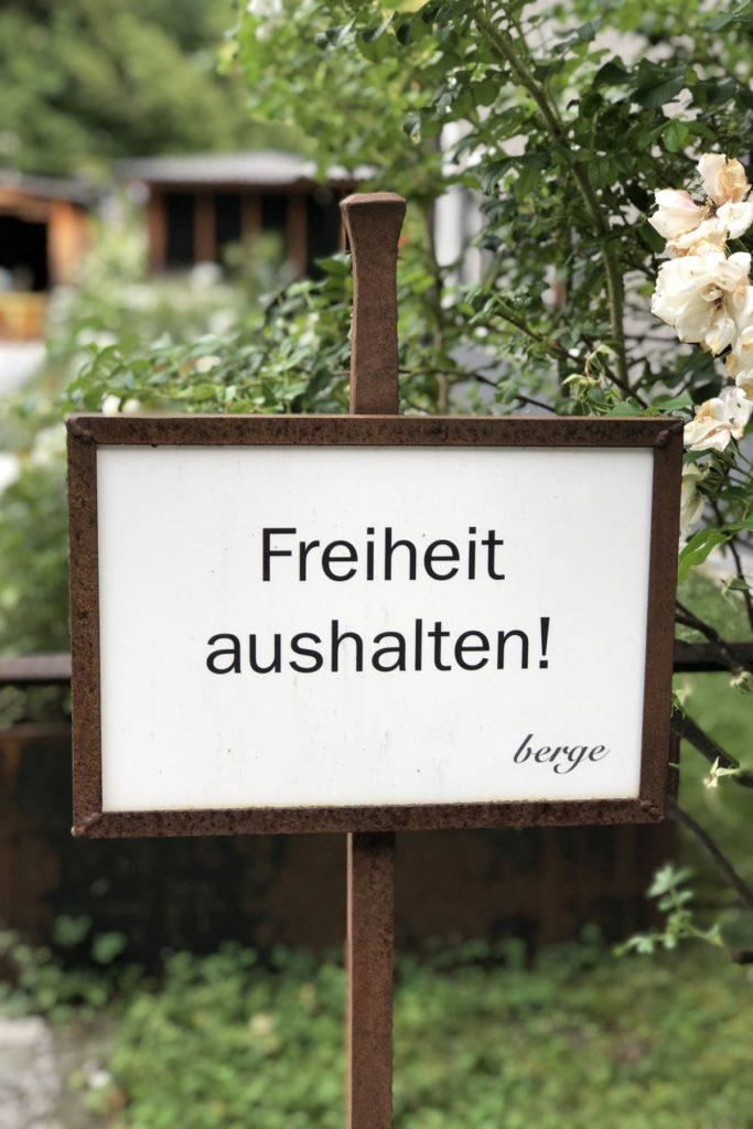 Freiheit aushalten. Gästehaus berge von Nils Holger Moormann. | Foto: Sabine Wittig